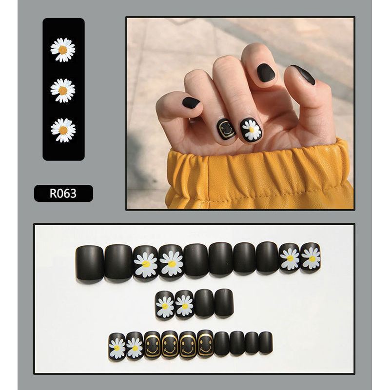 Wearing nail patch fake cover shell finger stickers ins students can take off and wear the finished nails repeatedly